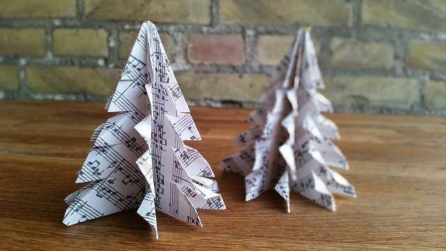 stromečky z papíru