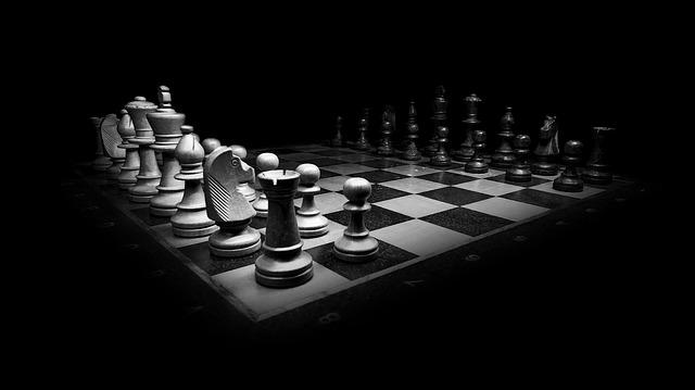 šachové figurky.jpg