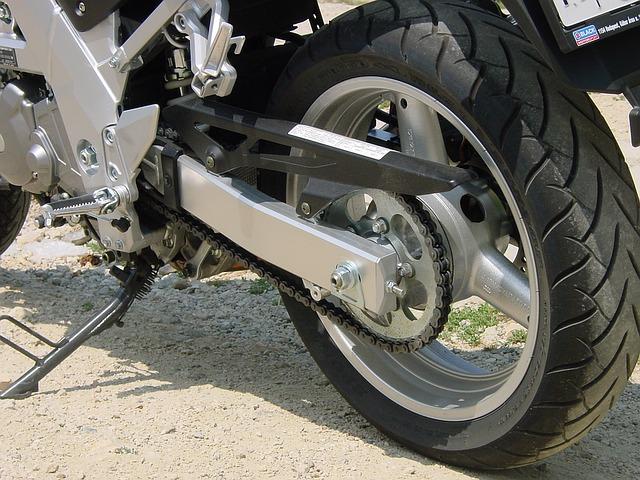 motorka na stojánku